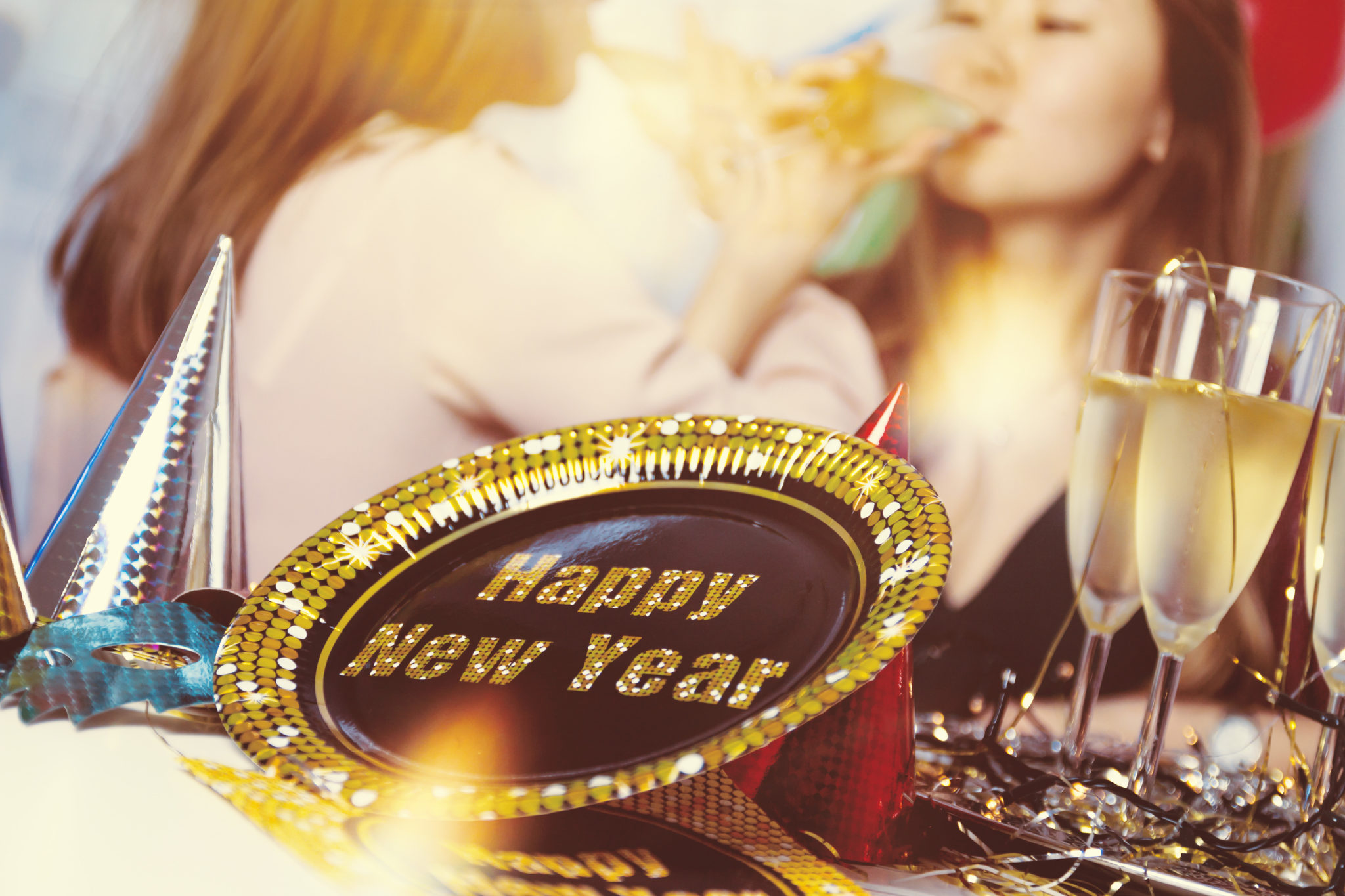 How to Throw an Amazing New Years Eve Party on a Budget